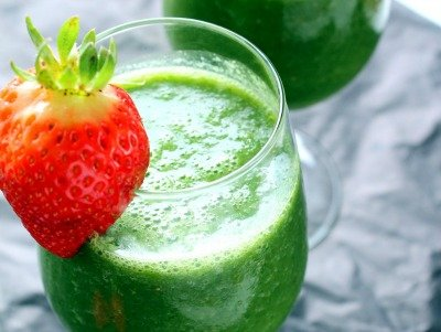 strawberry green smoothie resized