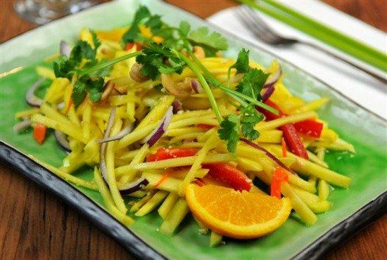 91f323c9-84ac-4b83-b2bc-bb08310a729f_green_mango_salad_yam_ma_muang resized