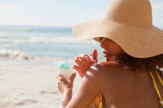 sunscreen women ile ilgili görsel sonucu